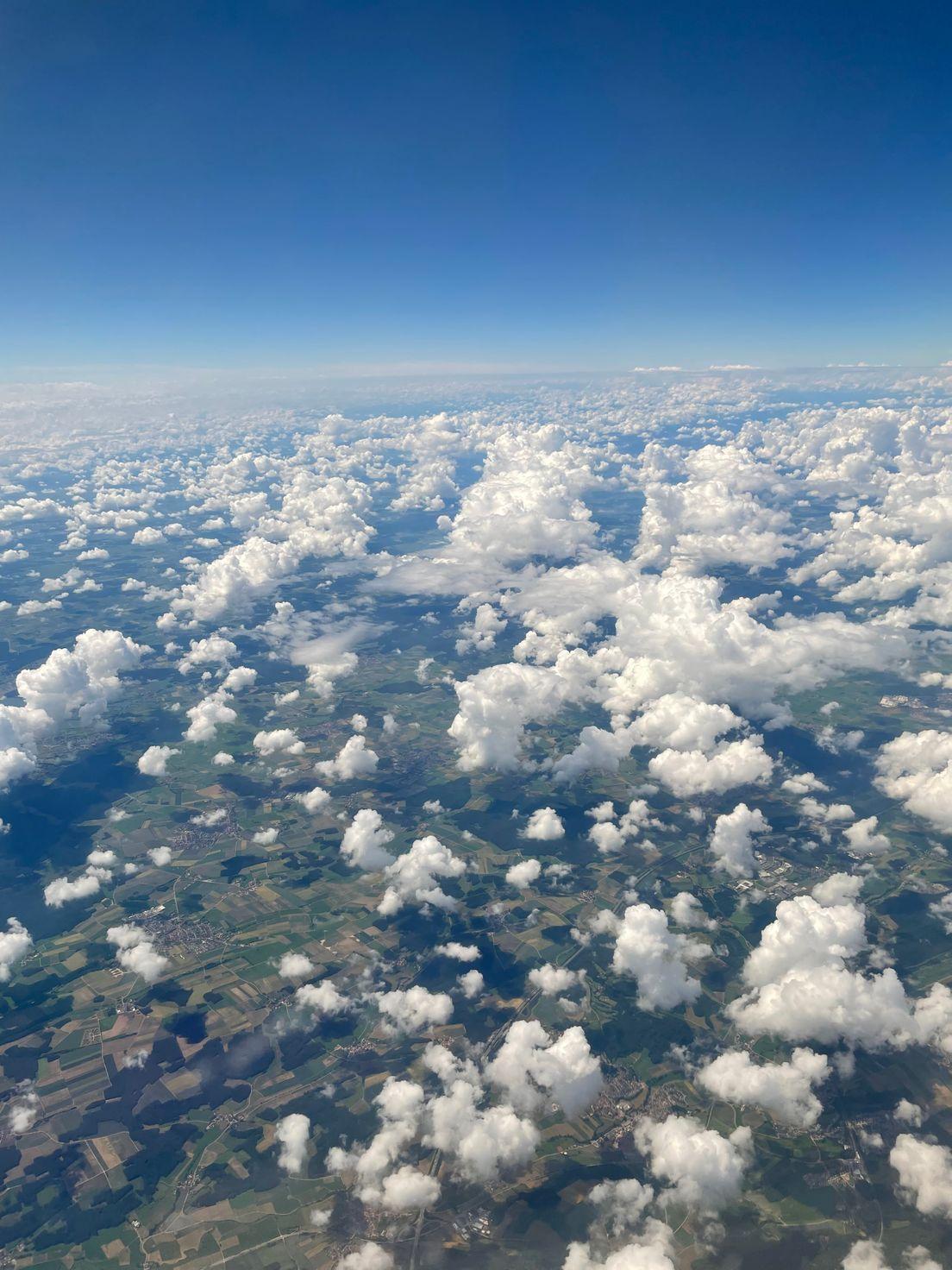 Кучевые облака как комочки ваты