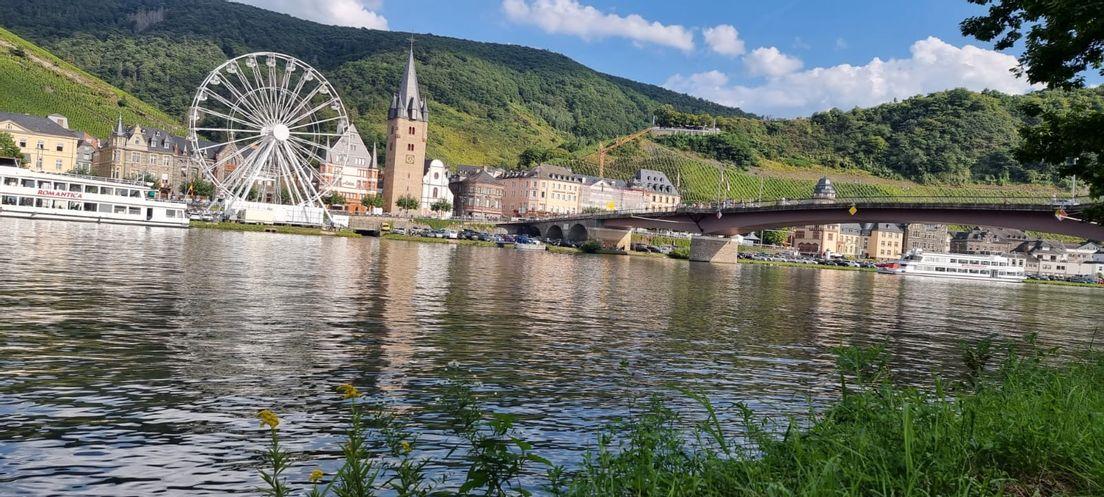 Пейзажи вокруг города Бернкастель- Кус на реке Мозель