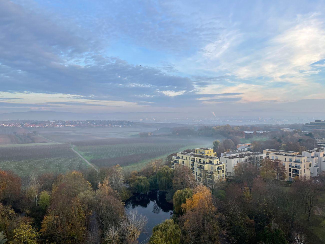 Herbsthimmel über Mainz