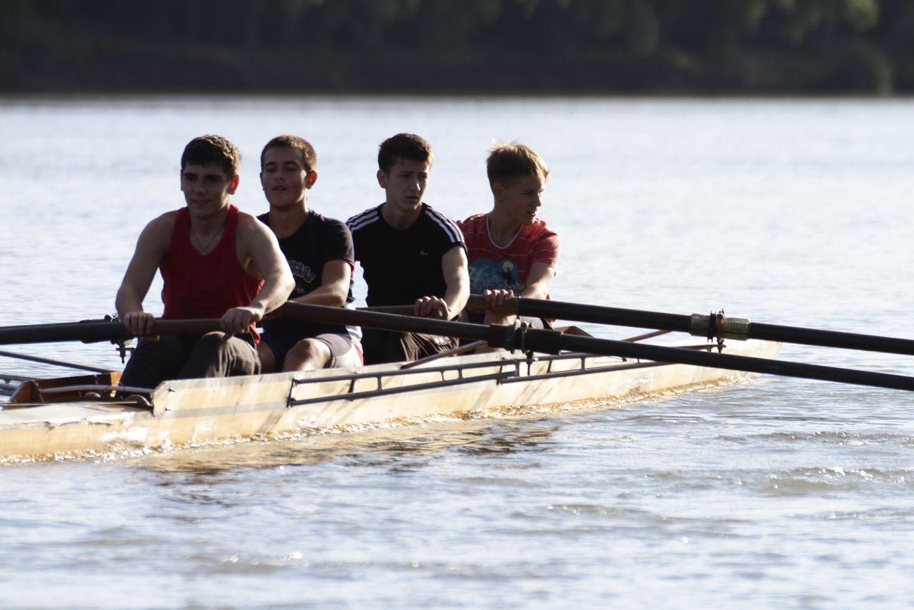 Rowing in Tiras