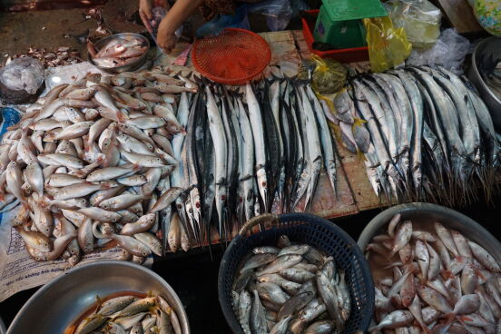 Камбоджа.. на местном базаре все самое свежее