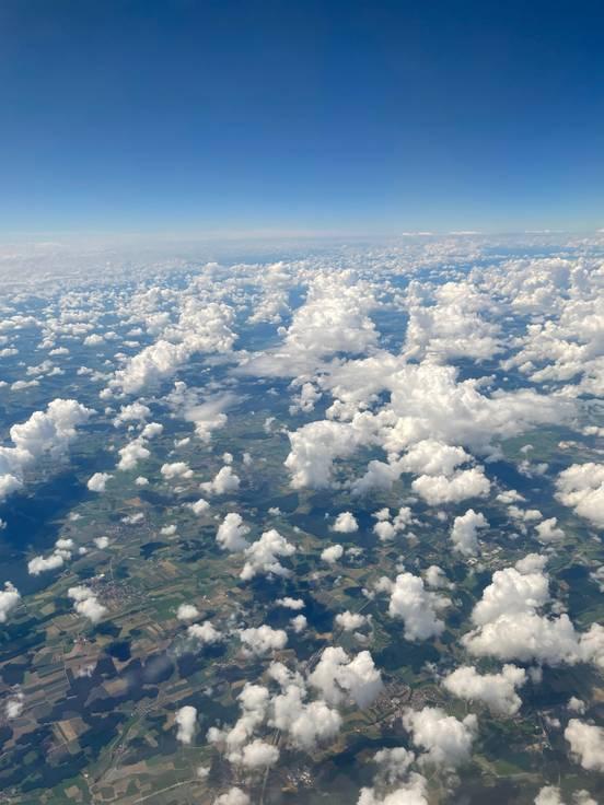 sevenpics presents - Кучевые облака как комочки ваты