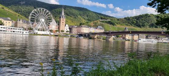 sevenpics presents - Пейзажи вокруг города Бернка�тель- Ку� на реке Мозель