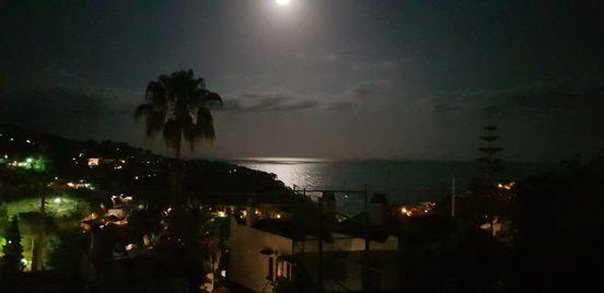 sevenpics presents - Schöner Sonnenuntergang in Spanien Costa Brava