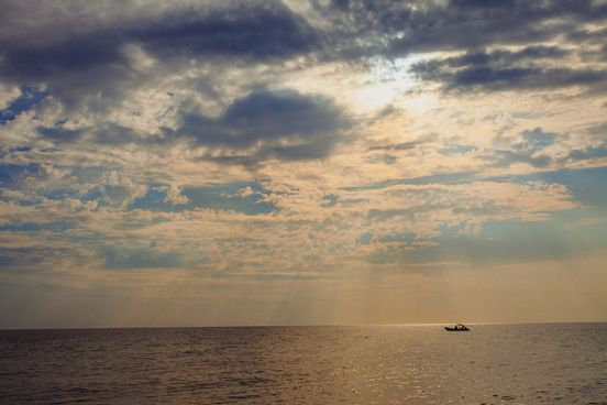 sevenpics presents - Когда солнце садится за море..
