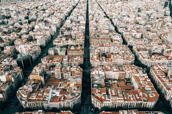 sevenpics presents - Visit Barcelona: Why You Should Not Miss Out This Wonderful City