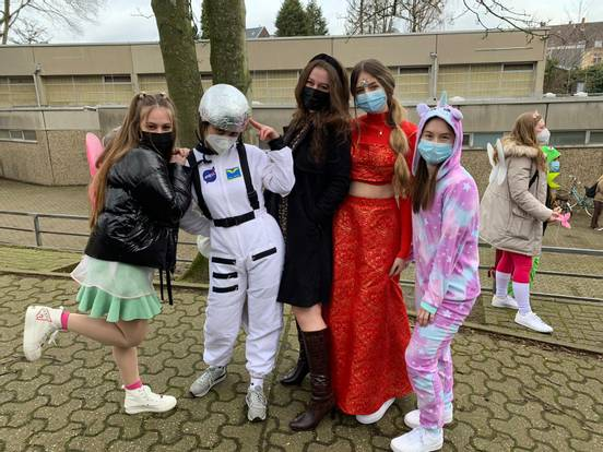 Traditions of school graduates worldwide