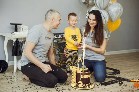 sevenpics presents - Родители - как волшебники. Знают все про Радость.