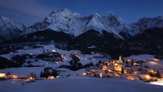 sevenpics presents - Вечерний вид на деревню Фтан , Швейцария