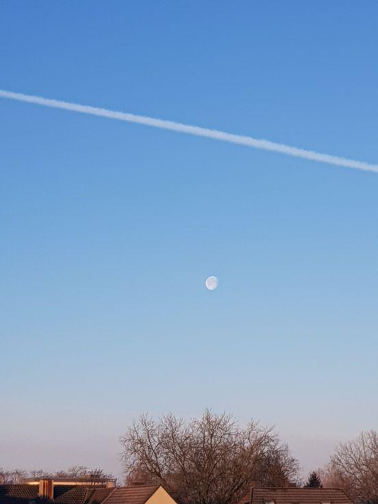 sevenpics presents - Утренние рисунки на небе
