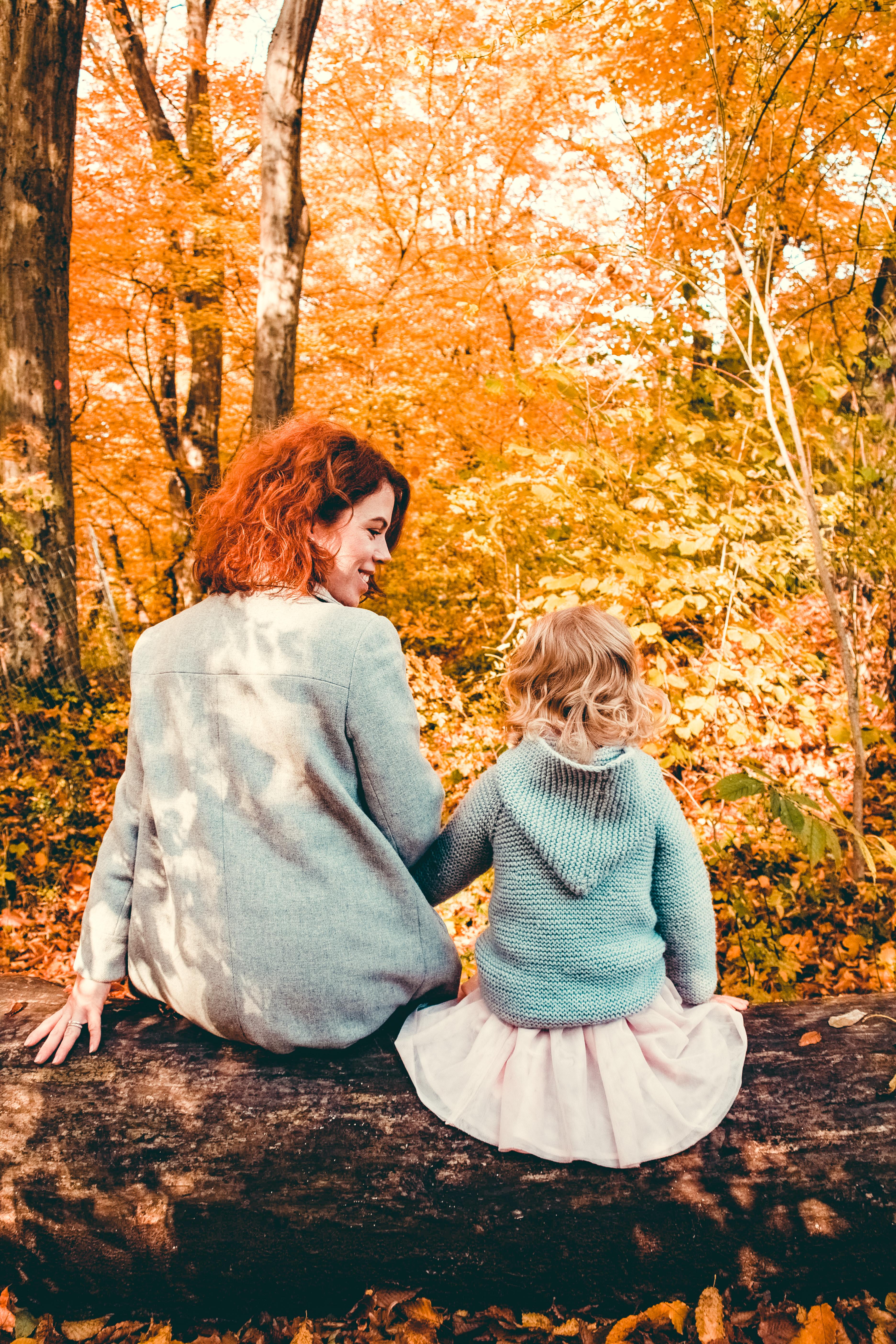 Осень - это « Мама, пошли собирать каштаны» или «Ооо, лужи!»
