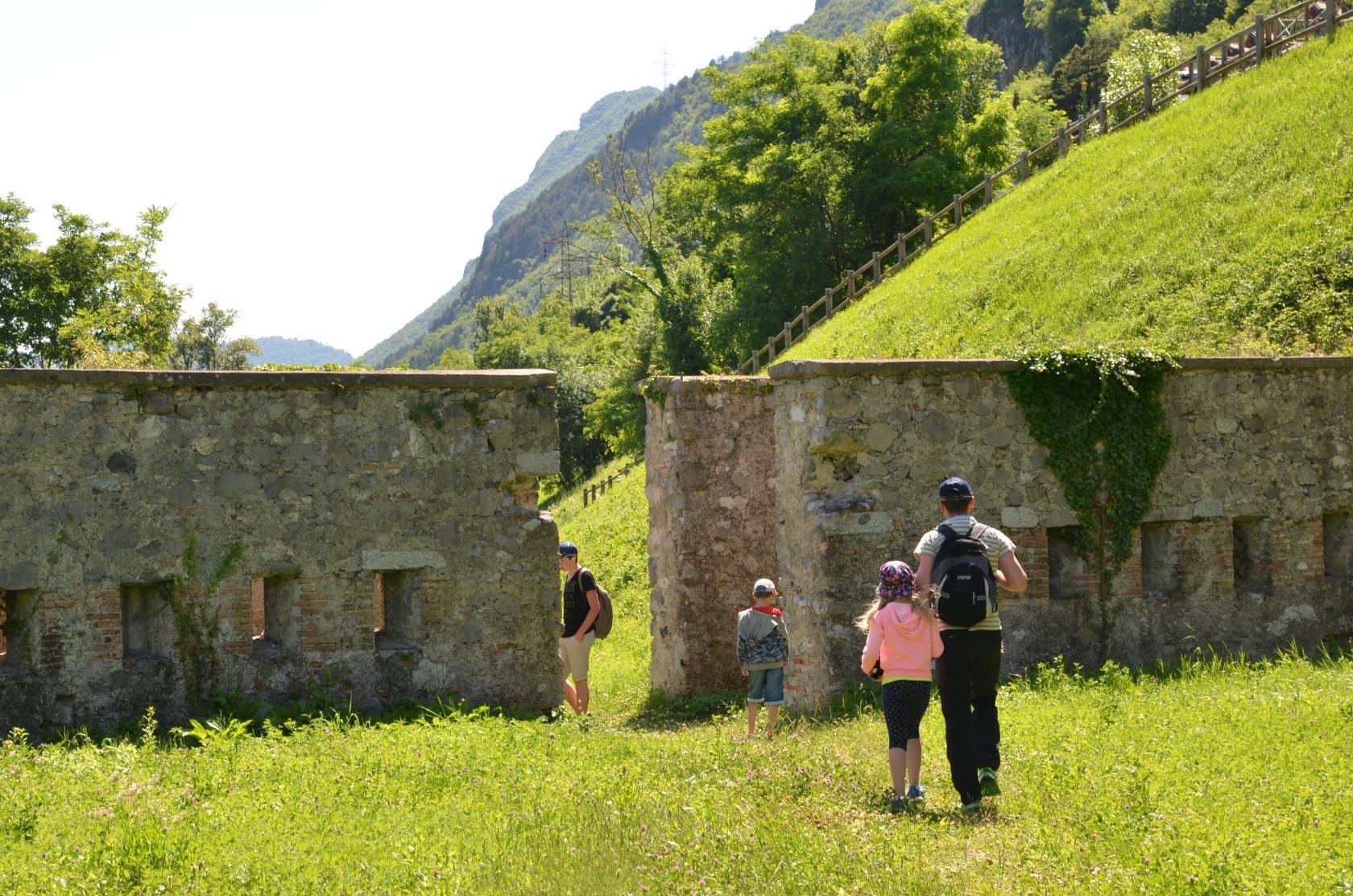 Оз.Идро,Италия,римские развалины