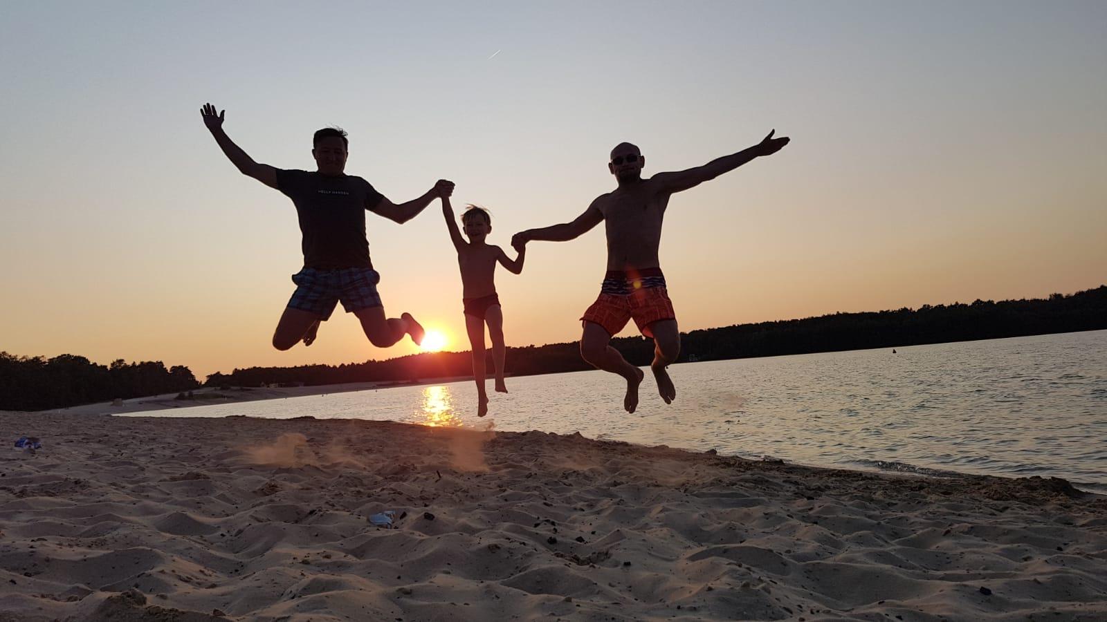 Прыжок на закате солнца